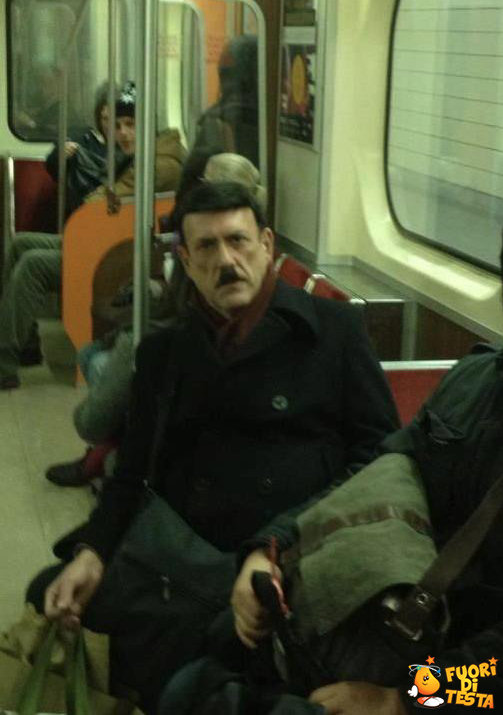 Strani personaggi in metropolitana