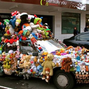 Automobile pupazzosa