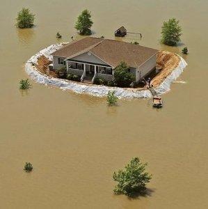 Erano preparati all'alluvione
