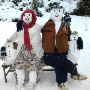 Famiglia di pupazzi di neve