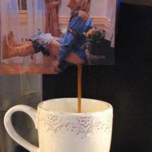 Qualcuno vuole un caffè?