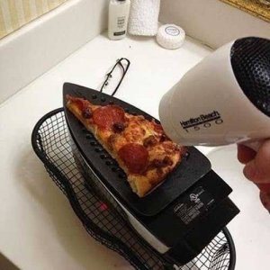 Riscaldiamo un po' di pizza