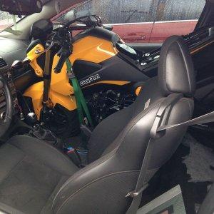 Trasportare la moto con l'auto