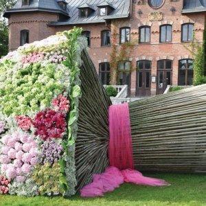 Un mazzo di fiori molto grosso