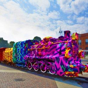 Un treno molto colorato