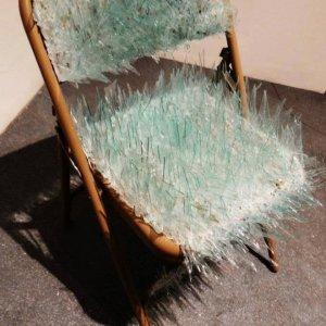 Una sedia per i tuoi nemici