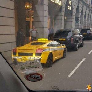 Usare una Lamborghini come taxi