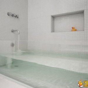 Vasca da bagno trasparente