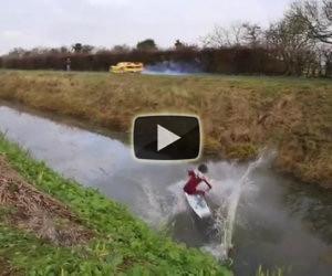Sci d'acqua con una Ferrari
