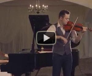Trasformano un classico in modo spettacolare con violino e piano